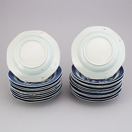 A matched set of 21 blue and white soup dishes, qing dynasty, 19th century.
