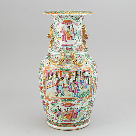 A canton famille rose vase, qing dynasty, 19th century.