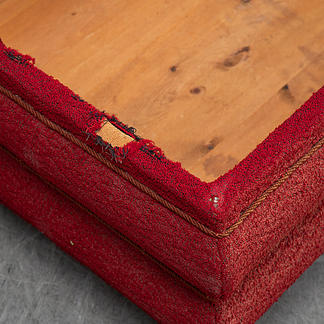 A fabric chest, first helf the 20th century.