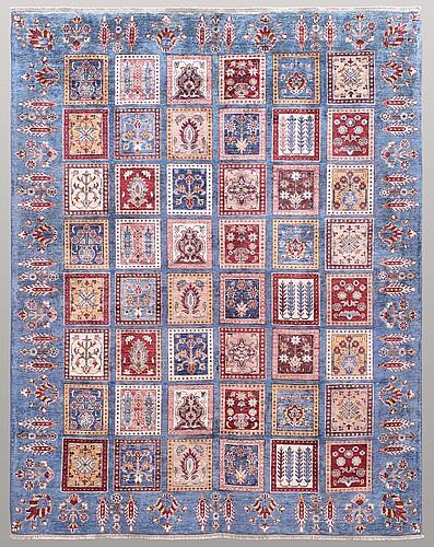 A carpet, oriental, ca 271 x 214 cm.