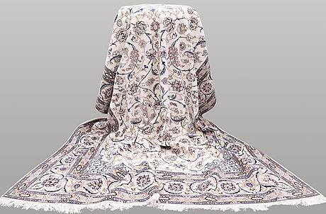 Matta, nain part silk s.k 9laa , ca 361 x 255 cm.