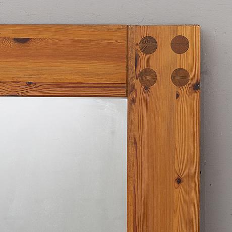 Spegel, form sven larsson, 1900-talets andra hälft.