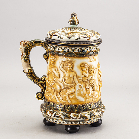 A rörstrand majolica jug around 1900.