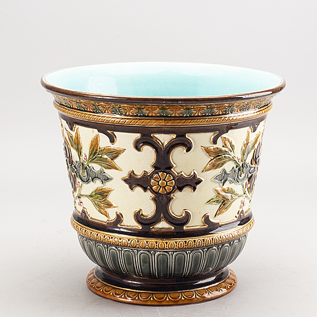 A rörstrand majolica urn around 1900.