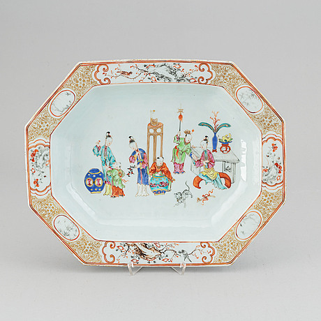 A famille rose tureen stand, qing dynasty, qianlong (1736-95).