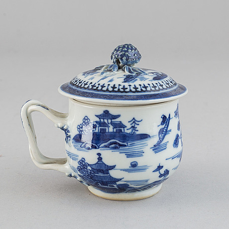 A blue and white part dinner service, qing dynasty, jiaqing (1796-1820). (36 pieces).