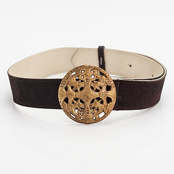A leather belt with a bronze buckle, model 27. Kalevala Koru, Helsinki.