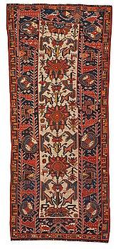234. Gallerimatta, antik Azerbajdzjan, ca 292,5 x 121-124 cm.
