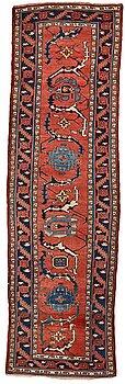 287. Gallerimatta, antik/semiantik  Västpersisk, ca 321,5  x 91,5-98 cm. (samt kortsidorna med ca 2-3 cm slätväv).