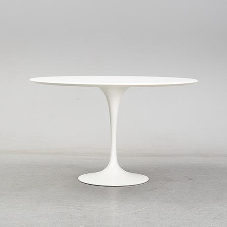 """Eero saarinen, a """"tulip"""" table by knoll studios, 2007."""