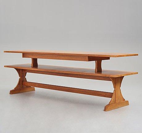 Josef frank, biblioteksbord / sideboard, firma svenskt tenn, modell 2226.