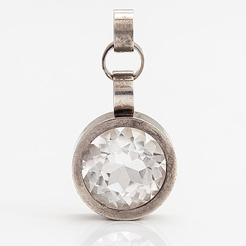 Elis Kauppi, A silver pendant with a rock crystal. Kupittaan kulta, Turku 1965.