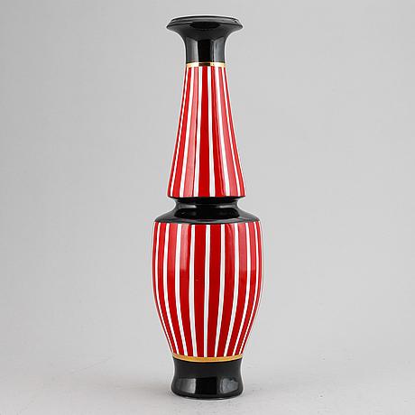 Frédéric de luca, a porcelain vase, paris, france.
