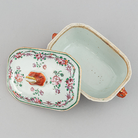 A famille rose butter tureen with cover, qing dynasty, qianlong (1736-95).