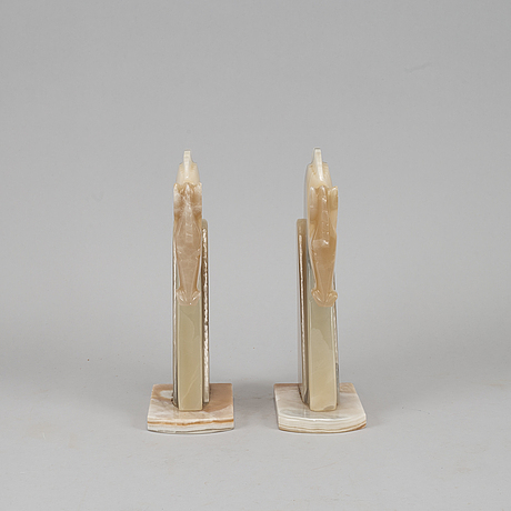 A pair of onyx book ends, 20th century.