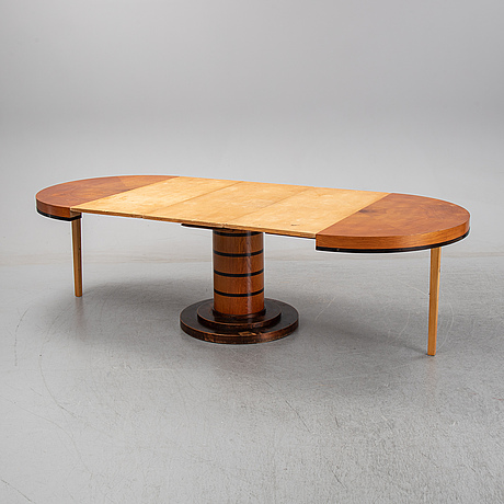 An elm veneered dining table, 1930's/40's.