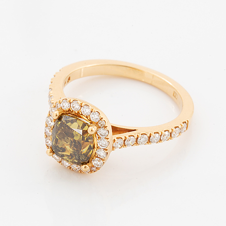 2,16 ct cusion modified brilliant natural fancy brownish yellow diamond, with igi-report.