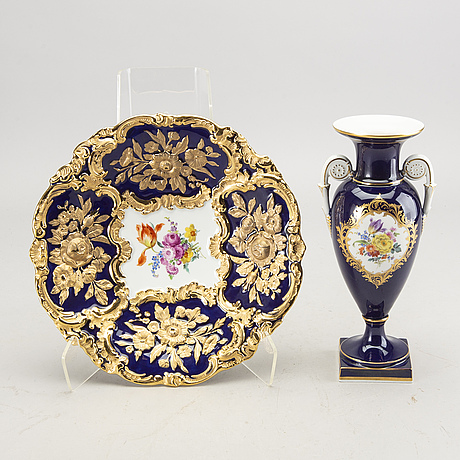 A porcelaine dish and vase from meissen.