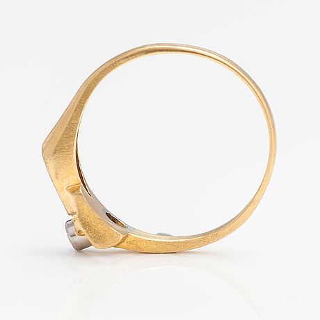 Björn weckström, an 18k gold and platinum ring. lapponia 1980.