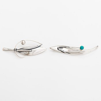 Elis Kauppi, Two silver brooches, one with a tuquoise. Kupittaan kulta, Turku 1961 and 1965.