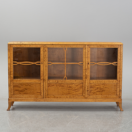 A cabinet from the first half of the 20th century.