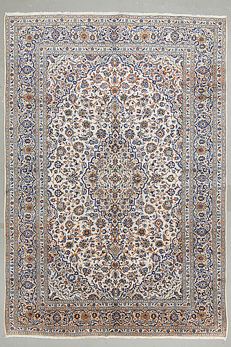 A carpet from yezd 422 x 292 cm.