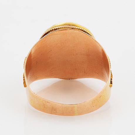 Ring, guld med miniatyrporträtt (kung) kristian vii (1749-1808) kung av danmark & norge  i cornelius höyers art.