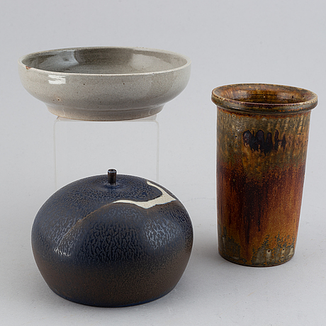 Claes thell, two vases and a dish, glazed stoneware, signed.
