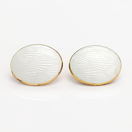 A pair of gilded sterling silver cufflinks. tillander, helsinki 1975.