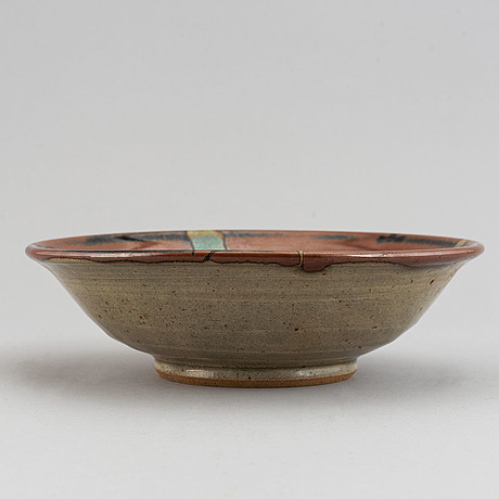 A japanese stoneware bowl and two small ewers, mid 20th century.