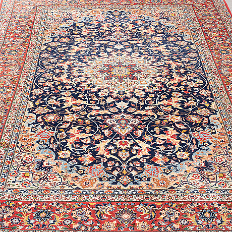 A carpet, old esfahan, part silk, ca 263 x 162 cm.
