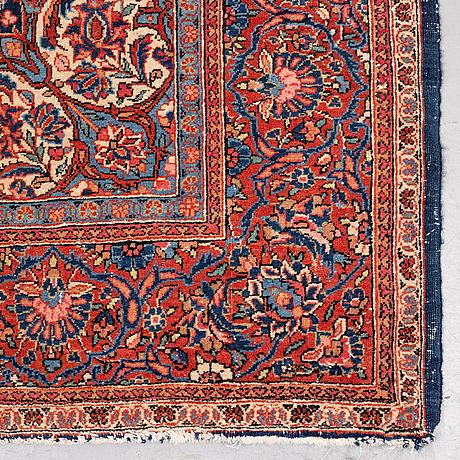A rug, semi-antique kashan, ca 212,5 x 143 cm.