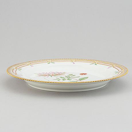"A royal copenhagen porcelain ""flora danica"" round serving plate model no 3524."
