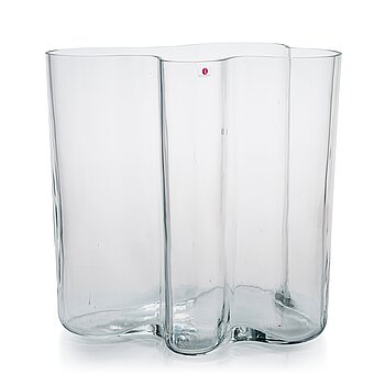 Alvar Aalto, a 1970's '0551' vase for Iittala.