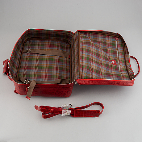 Mulberry, a travelbag and a shoulder bag.