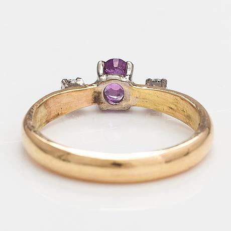 Ring, 18k guld, rubin och diamanter ca 0.12 ct tot. lagercrantz jewellery, ekenäs  2015.