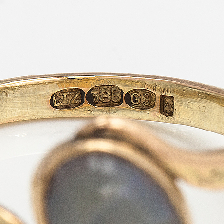 Sormus, 14k kultaa, opali. lagercrantz jewellery, tammisaari 2008.