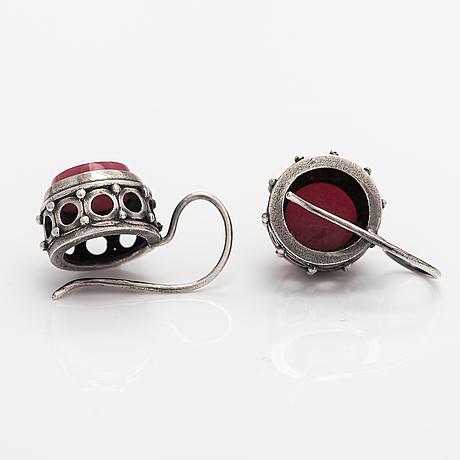 Kai lindström, a silver brooch, ring and earrings with granite. kalevala koru, helsinki 1968.
