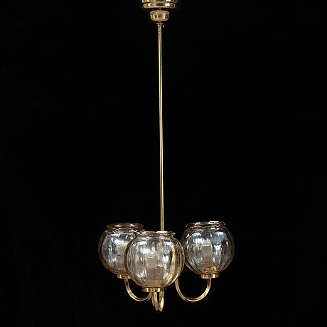 Taklampa, med glaskupor, 1900-talets andra hälft.