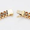 Collier och armband 18k guld med runda briljantslipade diamanter.