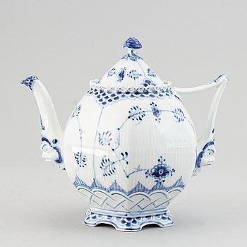 Royal Copenhagen,  a '1119' 'Musselmalet Full Lace' porcelain teapot, Denmark.