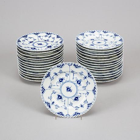 Royal copenhagen,  28 'musselmalet full lace' porcelain plates '1087', denmark.