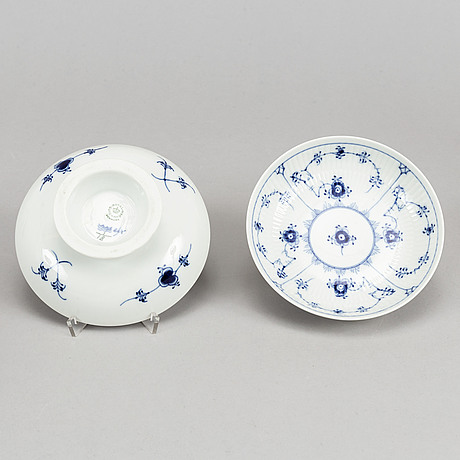 Royal copenhagen, eight 'musselmalet' footed dishes, denmark.