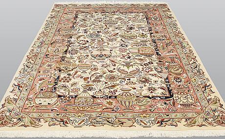A carpet, figural kashmar, ca 295 x 201 cm.