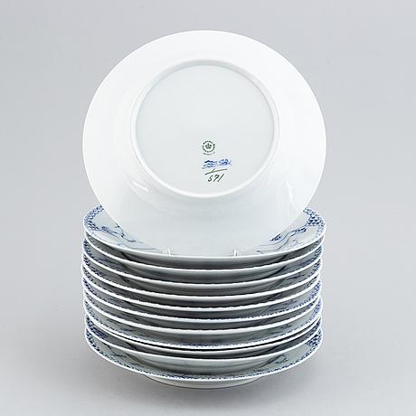 Royal copenhagen, 12 'musselmalet' porcelain plates.