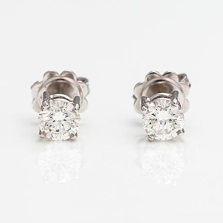 Örhängen, 18k vitguld, diamanter ca 1.04 ct tot. med hdr antwerp certifikat.