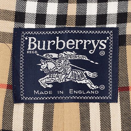 Burberry, trenchcoat, size 50.