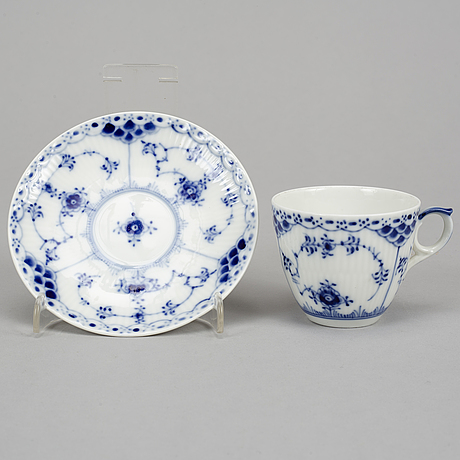 Royal copenhagen, a 'musselmalet' part service, denmark (14 pieces).