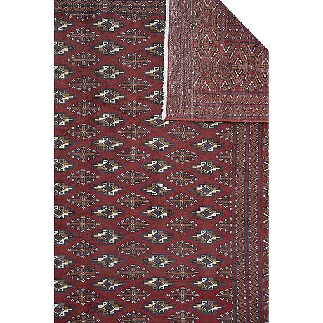 A carpet, turkmen, ca 293 x 207 cm.