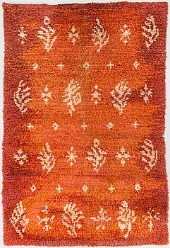 Toini Kallio, A Finnish long pile rug made by Toini Kallio. Circa 167x112 cm.